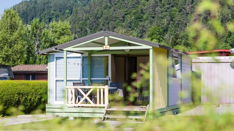 Bungalows auf dem Camping Lazy Rancho in Unterseen direkt auf der Webseite buchen.